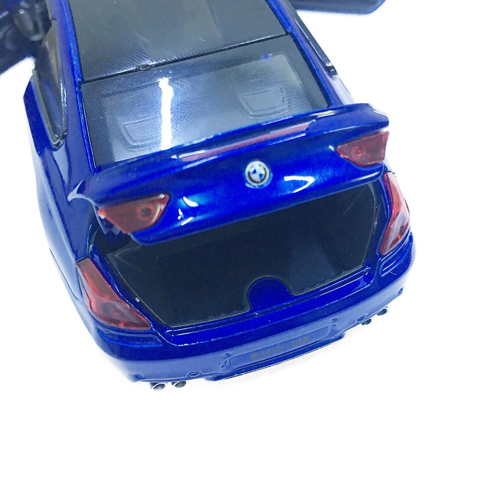 Xe Mô Hình Chạy Dây Cót Bằng Sắt BMW M6 32093 Đóng Mở Cửa Có Đèn Nhạc