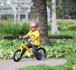 Phát triển toàn diện cho bé với xe đạp cân bằng